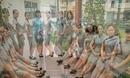广东幼儿园老师穿旗袍上课 尽显民国范儿