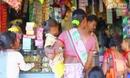 印度19岁女子被 困 2岁幼儿身体大小