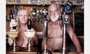 拍婚纱照情侣T恤:情侣在张家界景区拍 裸体婚纱照 引争议