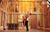 澳洲钢管舞夫妻组合爆红,演出预约不断