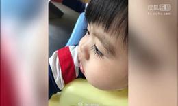 林志颖小儿子眼睫毛超长 看过得网友表示羡慕不已