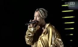 BigBang成员TOP入伍 姐姐送别弟弟:要健康回来
